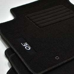 rot MP Velours Logo Fußmatten für Hyundai i30 Typ PDE Kombi ab Bj.07.2017